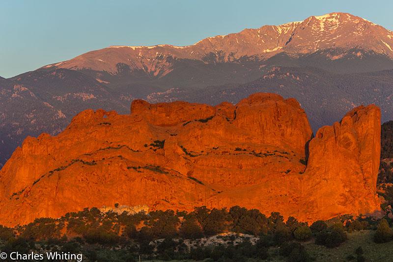 Garden of the Gods, Colorado Springs, Colorado, Pikes Peak, photo