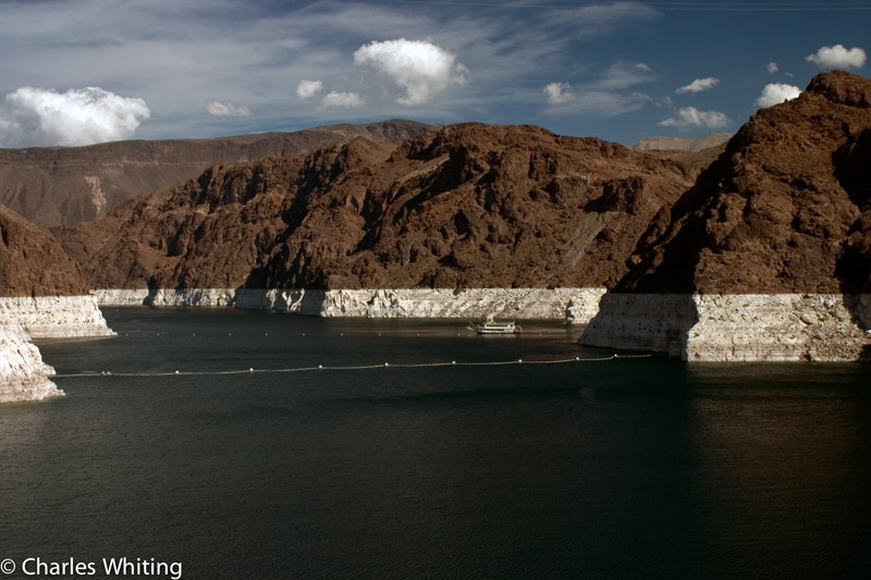 Lake Mead, Hoover Dam; paddle boat, photo